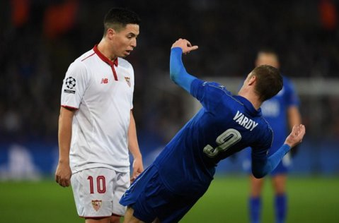 """""""E un TRIŞOR, nu un bărbat adevărat! N-aţi putea să scrieţi ce i-aş spune faţă în faţă!"""" Nasri a EXPLODAT după ce a fost eliminat cu Leicester. Cum îl face praf pe Vardy şi răspunsul englezului"""