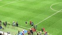 Dincolo de problemele de arbitraj! VIDEO Moment senzaţional petrecut la finalul partidei Real - Bayern şi mesajul LEGENDEI care şi-a luat adio de la Champions League pe Santiago Bernabeu