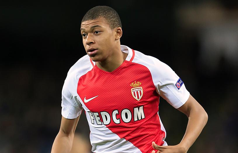 Noua senzaţie a fotbalului european! Are 18 ani şi s-a pus pe doborât recorduri în Liga Campionilor