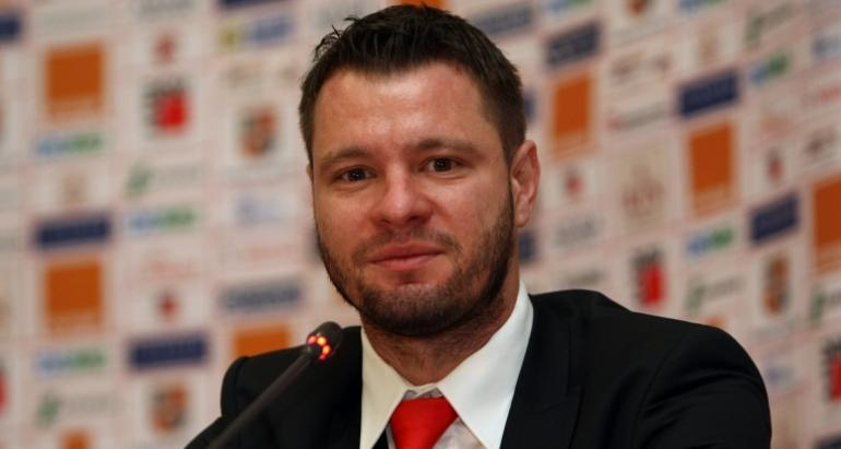 """Debutul lui Sporting în noul sezon l-a convins pe Marius Niculae: """"Vor rezolva calificarea din primul meci, Steaua nu va rezista presiunii!"""" MM Stoica, luat peste picior: """"El e cel mai mare expert de acolo"""""""