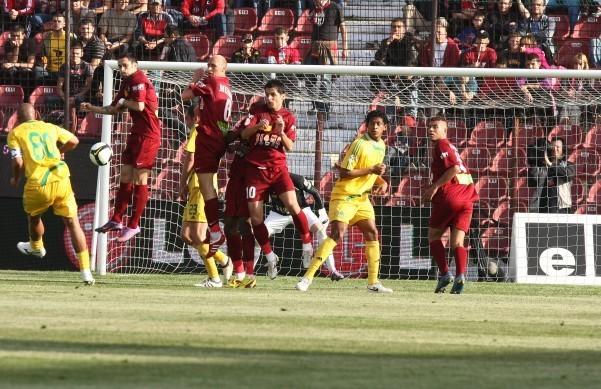 A vrut să se lase de fotbal după ce a FUGIT din Liga 1! Omul dorit de Hagi la Steaua a revenit în Europa şi îi râde în nas lui Porumboiu