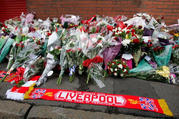 """Toată lumea aşteaptă azi în Anglia ADEVĂRUL despre tragedia de pe Hillsborough! IRONIC: raportul vine la o zi după operaţiunea """"porţile deschise"""" de la meciul România-Andorra"""