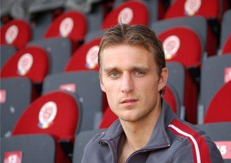 ŞOCANT! Un fotbalist ceh cu două meciuri la naţională a murit după ce s-a izbit cu sania de un copac