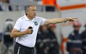 """Antrenorul lui Ludogoreţ dezvăluie: """"La antrenamente mai exersăm penaltiurile, iar lui Moţi îi place să stea în poartă. Are instinct"""""""