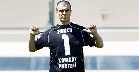 """Pancu îi mulţumeşte lui Moţi: """"Ne-a făcut fericiţi!"""". Atacantul Rapidului crede că fostul fundaş al lui Dinamo i-a dominat psihic pe stelişti"""