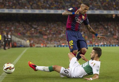 Dani Alves va fi lăsat să plece de la Barcelona liber de contract  finalul sezonului 2014-2015