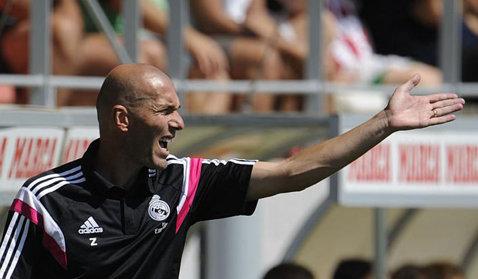 """Zidane este un dezastru ca """"principal"""". Criză la """"fabrica de jucători"""" a lui Real Madrid"""