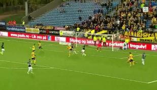 VIDEO | Golul anului, reuşit duminică seară. Nici la FIFA nu vezi aşa ceva: Assist din foarfecă, gol cu câlcâiul