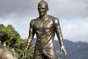 FOTO | Detaliul stânjenitor al statuii lui Cristiano Ronaldo. Ce se observă în imagine