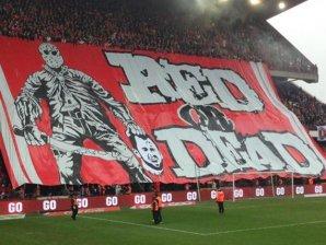 FOTO şi VIDEO | Fotbal sau teroare? Coregrafie înfiorătoare pentru Steven Defour la revenirea pe terenul lui Standard, ca adversar. Mijlocaşul a cedat presiunii şi a fost eliminat