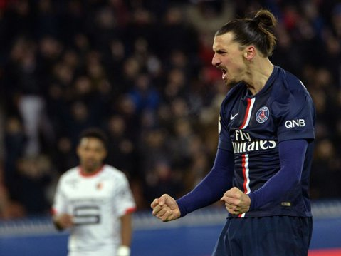 """Ibrahimovic, aproape de o despărţire de PSG. Atacantul e aşteptat cu braţele deschise pe Old Trafford: """"S-a născut să joace la United"""""""