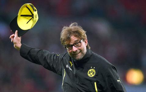 Primire de Oscar pentru Jurgen Klopp. Tehnicianul a anunţat că va părăsi pe Dortmund, fanii i-au mulţumit în timpul meciului cu Paderborn. FOTO
