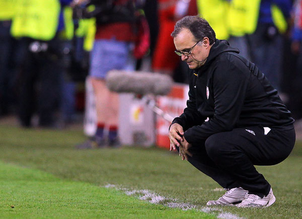 """Noapte nebună la Marseille. Gazdele au pierdut pe Velodrome în faţa celor de la Caen, iar Bielsa şi-a dat demisia imediat după meci: """"Nu pot accepta situaţia aceasta instabilă"""""""