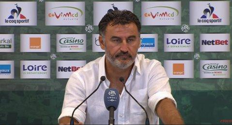 Antrenorul lui Saint-Etienne, suspendat şase jocuri, după ce a mimat că pălmuieşte un jucător!