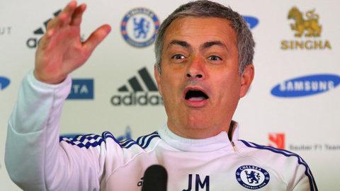 """Chelsea  a ajuns pe locul 16, Mourinho nu renunţă: """"Dacă vor să mă demită, să mă demită, eu nu plec! Dacă mă dau afară, vor renunţa la cel mai bun antrenor din istoria clubului"""""""