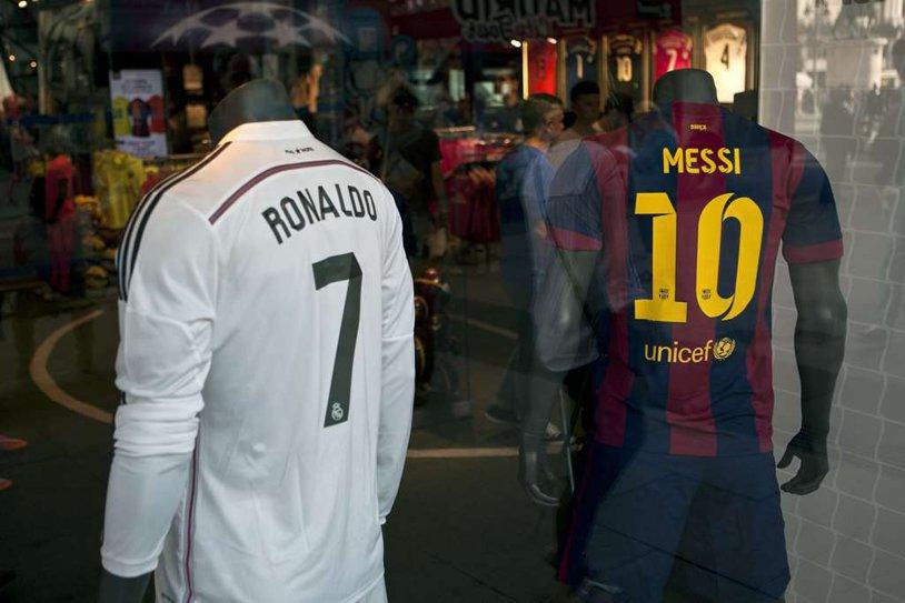 Ronaldo pierde teren în disputa cu Messi. TOP 15 cei mai scumpi jucători din lume. Messi este pe primul loc, Neymar - pe doi, Ronaldo n-a prins nici măcar podiumul
