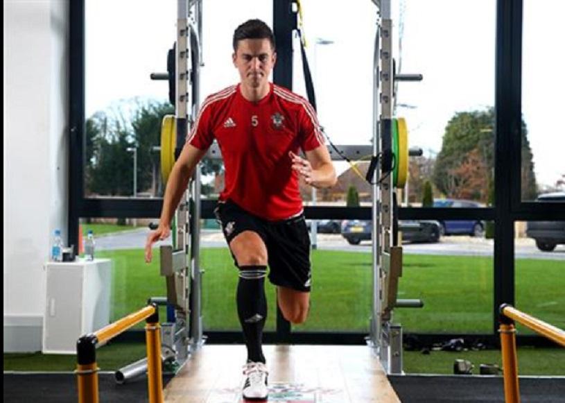 """Gardoş: """"Ard de nerăbdare să mă întorc pe teren!"""" Ce le-a transmis colegilor săi înaintea meciului cu Manchester United"""