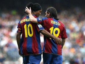 """""""Messi, Neymar şi Suarez ar fi fost rezerve, pe vremea mea"""". Cel mai amuzant interviu acordat de Ronaldinho"""