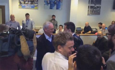 VIDEO   Momente foarte emoţionante pentru Claudio Ranieri. Ce s-a întâmplat la prima conferinţă de presă, după ce a luat titlul cu Leicester