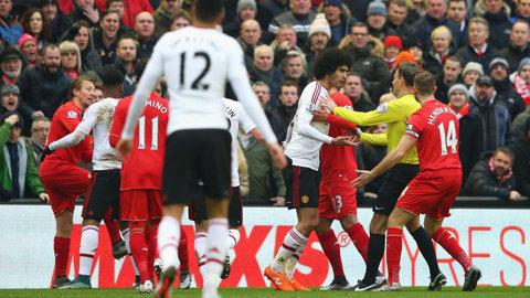 Manchester United şi Liverpool au fost amendate de UEFA. Motivul