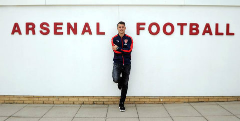 Arsenal a oficializat transferul mijlocaşului Granit Xhaka de la Borussia Moenchengladbach