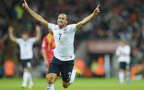 Transferuri spectaculoase reuşite de Crystal Palace. Andros Townsend şi Steve Mandanda au semnat cu clubul englez