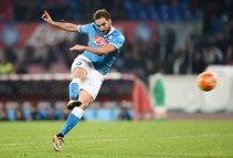 S-a oficializat cel mai spectaculos transfer al verii: Higuain a trădat-o pe Napoli pentru Juventus. Detaliile contractului semnat de argentinian