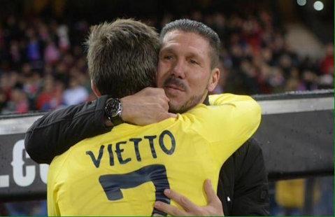 Atacantul dorit de Barcelona a ajuns la Sevilla. Vietto a trecut deja vizita medicală şi s-a antrenat alături de noii colegi