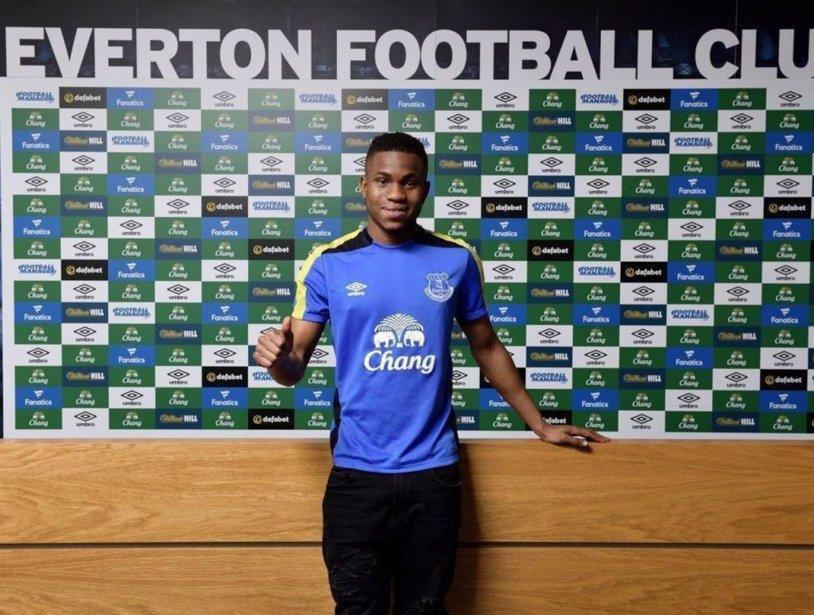 OFICIAL | Everton a plătit 13 milioane de euro pentru un atacant din liga a treia