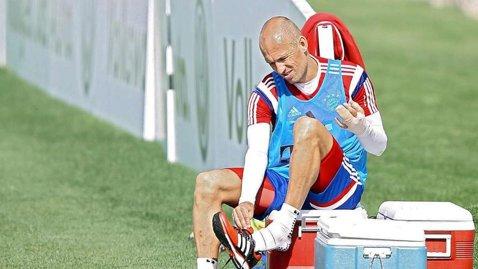 """Arjen Robben a semnat: """"Vreau să continui să joc la cel mai înalt nivel!"""""""