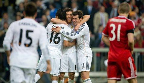 """E dorit de Manchester United şi Chelsea şi le forţează mâna """"galacticilor""""! Real Madrid, """"ameninţată"""" de unul dintre preferaţii lui Zidane"""