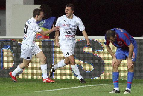 A făcut senzaţie în Liga 1, a fost dorit de Steaua şi Dinamo, acum va fi 'servit' de Pato şi Witsel! Junior Moraes, împrumutat de Dinamo Kiev la Tianjin Quanjian