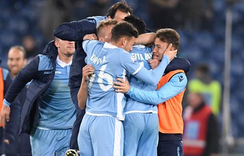 VIDEO | Nebunie totală la meciul dintre Lazio şi Palermo. Tabela arăta 5-0 după doar 25 de minute. Care a fost scorul final