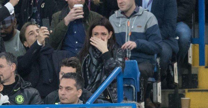 Suporterii lui Chelsea au făcut-o să plângă pe cea mai importantă persoană din viaţa lui Conte. FOTO | Soţia antrenorului italian nu şi-a mai putut stăpâni lacrimile