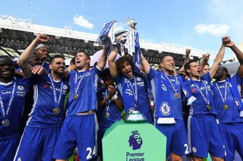 Au uitat de fotbal! Chelsea şi-a anulat parada pentru celebrarea câştigării Premier League, după atacul de la Manchester