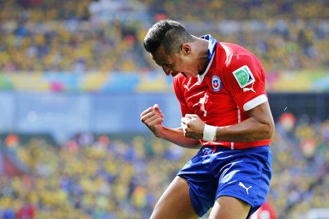 GAFĂ INCREDIBILĂ făcută de de Chile în momentul anunţării lotului pentru meciul cu România! Au trădat oficialii cel mai tare transfer al verii? Ce echipă apare în dreptul lui Alexis Sanchez