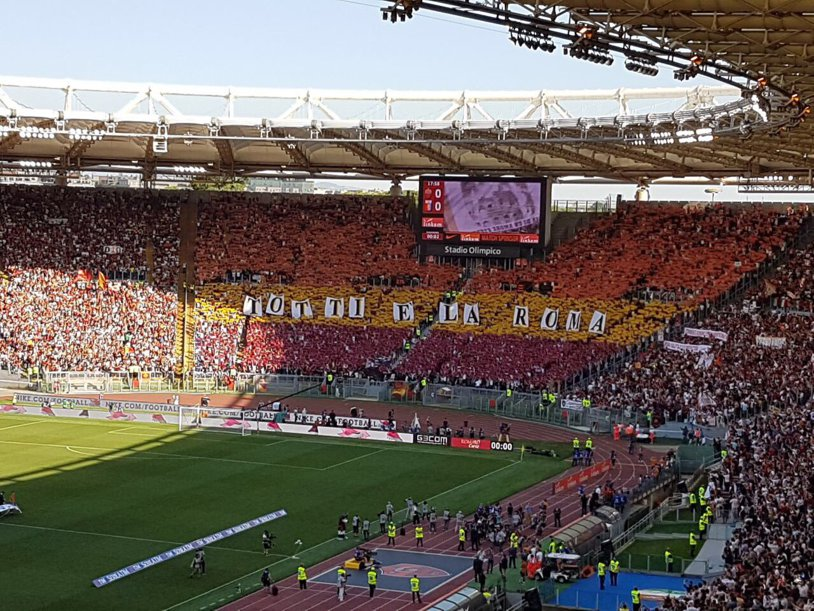 LIVE SCORE | AS Roma – Genoa 1-1. The shock on Olimpico! A 16-year-old open the score in the last match of the legend Totti. PHOTO | Choreography fans of the romans for the man who has entertained in the past 25 years