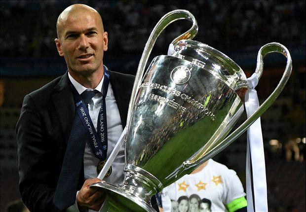 """Zidane şi-a prelungit contractul cu Real Madrid! """"Nu înseamnă nimic. Pot să semnez pe 10 ani, ştiu unde sunt!"""""""