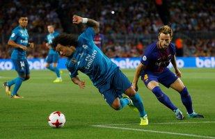 """Echipa perfectă există şi se numeşte Real Madrid! """"Galacticii"""" au o mână pe Supercupa Spaniei după 3-1 cu Barcelona, pe Camp Nou. Ronaldo şi Asensio au marcat goluri de generic, portughezul a fost eliminat pentru o presupusă simulare"""