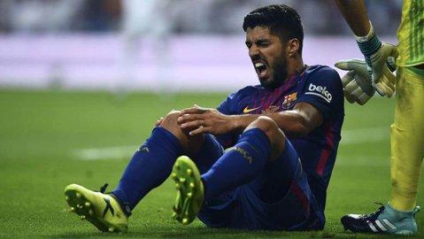 Gigantul e pus la podea! Rămasă fără Neymar, umilită de marea rivală în Supercupă, Barcelona a mai primit o lovitură în plin. Cât lipseşte Suarez după accidentarea din Clasico