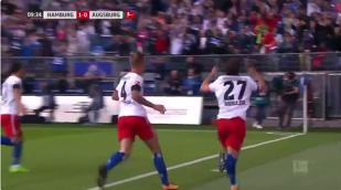 Premiul pentru cea mai stupidă accidentare a anului merge la un fotbalist al lui Hamburg. VIDEO | A marcat, şi-a fracturat ligamentul încrucişat în timp ce se bucura şi va lipsi şapte luni