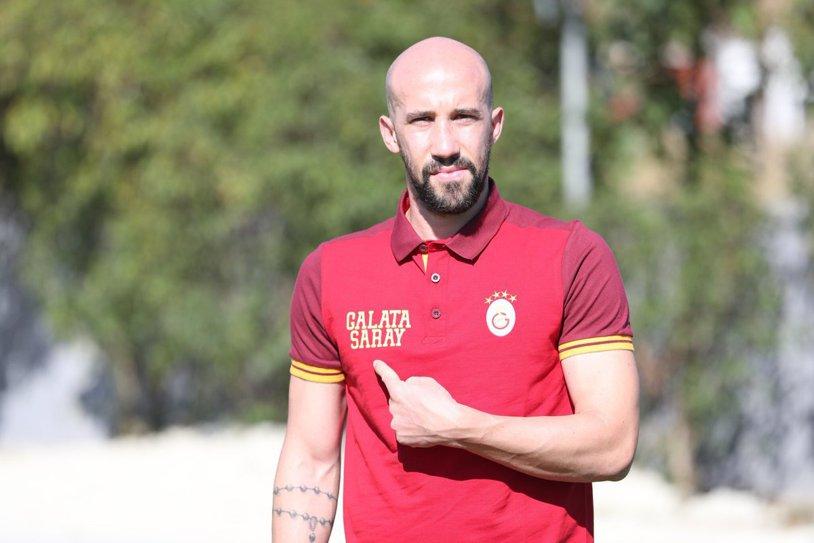 Primul moment important al lui Latovlevici la Galatasaray! Discuţia purtată de fundaşul român cu antrenorul echipei
