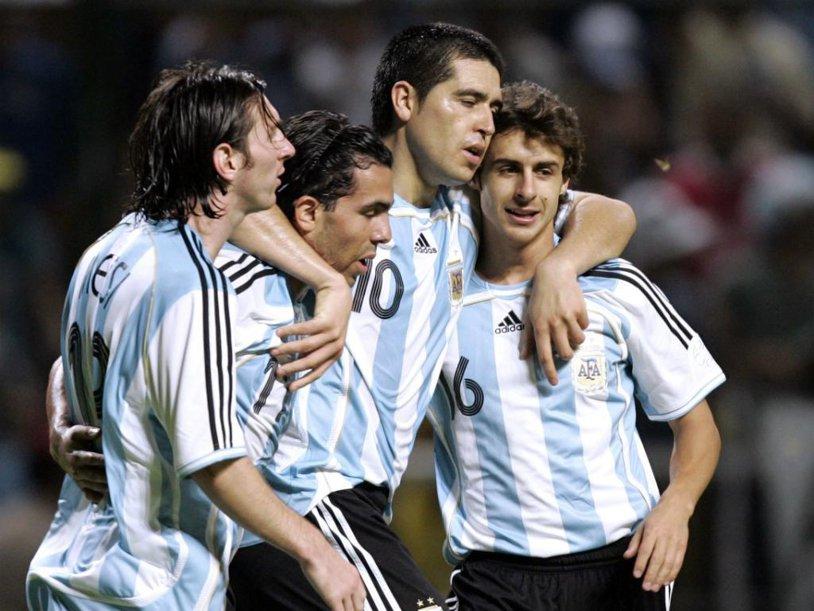 """Cel mai bine plătit fotbalist din lume e SUPRAPONDERAL! """"Am antrenat numeroase vedete..."""". A fost ironizat de fani la ultimul meci"""