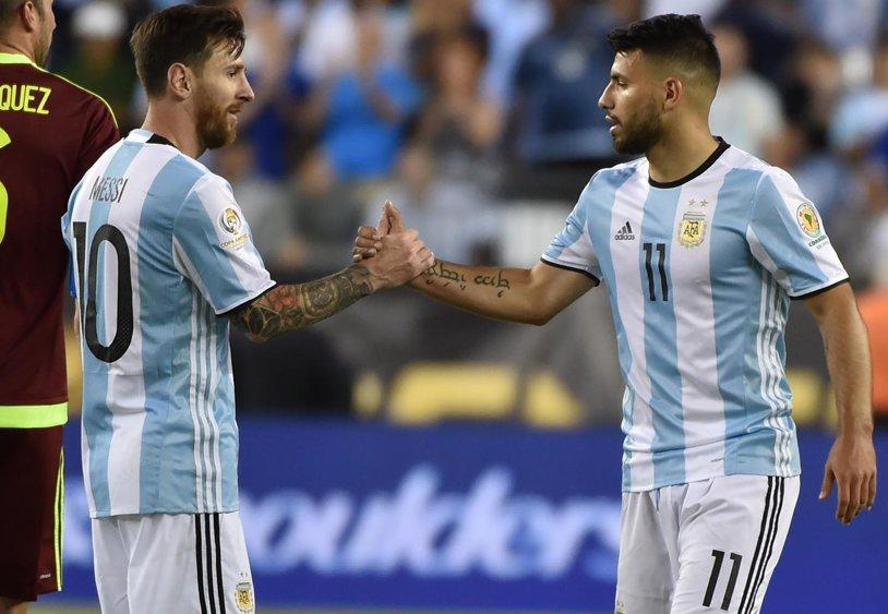 """Messi rămâne în vizorul lui City! Aguero recunoaşte: """"M-ar încânta să joc alături de el. Banii nu sunt o problemă"""""""
