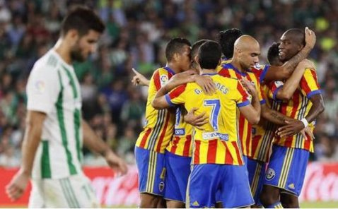 Meciul sezonului în Primera! Betis - Valencia era 0-4 în minutul 79, apoi a urmat o ploaie de goluri