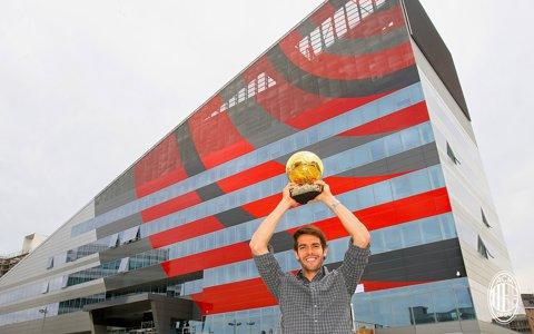 """Kaka revine la AC Milan! Clubul a confirmat: """"Va fi la Casa Milan mâine dimineaţă"""""""
