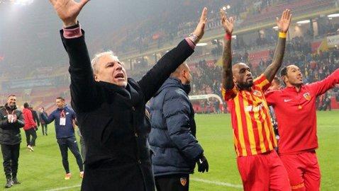 """Turcii l-au întrebat pe Şumudică despre Becali. Ce le-a spus antrenorul şi """"reclama"""" pe care o face ţării în străinătate: """"În România sunt doar..."""""""