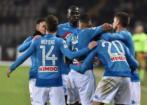 Napoli e noul lider din Serie A. Victorie clară cu Torino