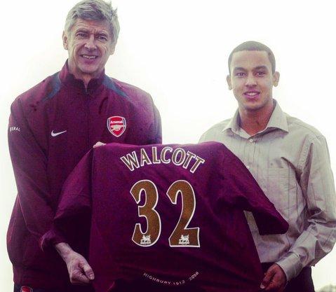 """Walcott a plecat de la Arsenal după 12 ani şi 397 de meciuri: """"A fost trist, dar captivant în acelaşi timp"""". Cu cine a semnat omul care nu a confirmat niciodată aşteptările pe care le-a creat"""