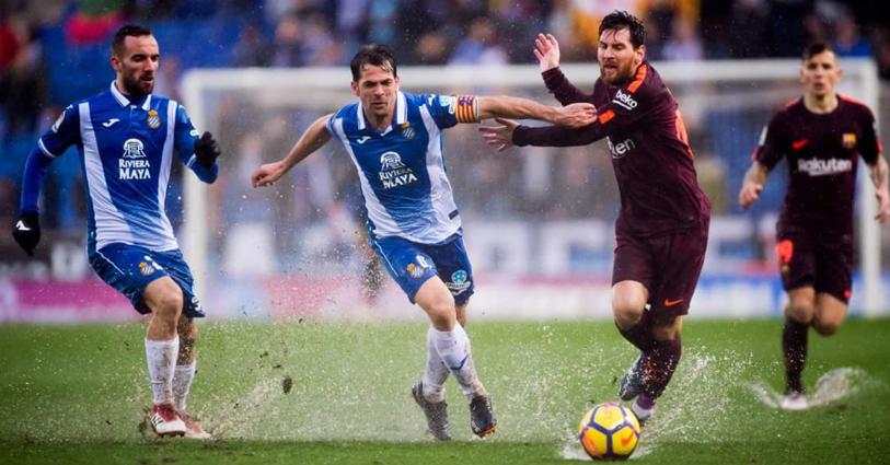 FOTO | Espanyol - Barcelona, primul meci în care s-a arătat un cartonaş... alb :)! Cum a fost posibil